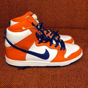 Men's Nike SB sneakers in size 8.5.  Looks New!
